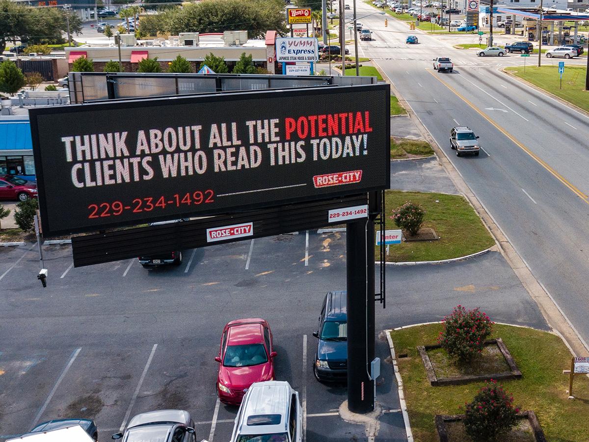 19mm Watchfire Digital Billboard; Rose City Outdoor, 10' x 30'