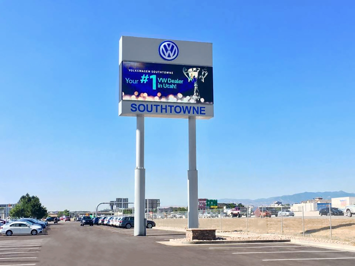 Digital Signs For Auto Sales And Service Businesses