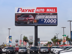 Car Dealerships In North Platte Ne >> Digital Signs for Auto Sales and Service Businesses - Watchfire Signs