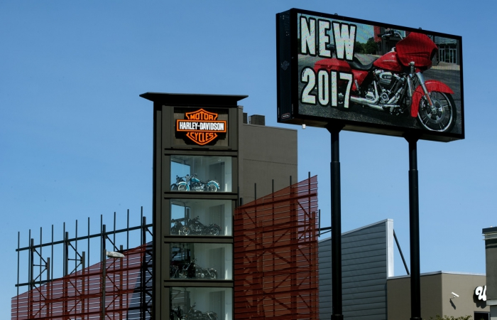 Uke's Harley Davidson, Kenosha, WI - Watchfire Signs | Digital ...